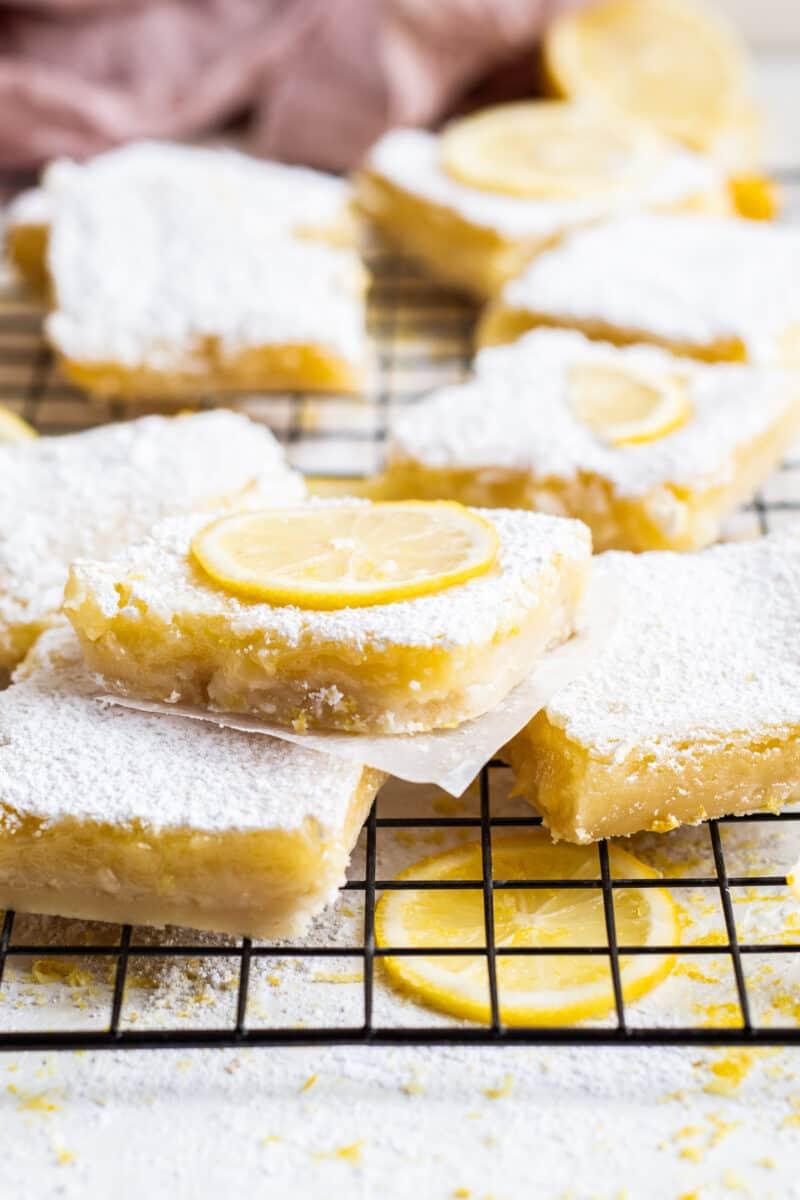 sliced lemon bars with powdered sugar