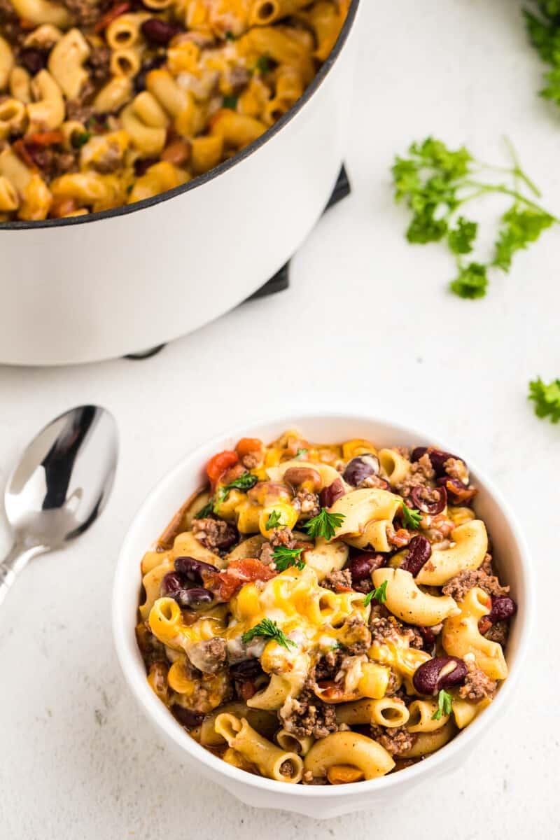 bowl of chili mac