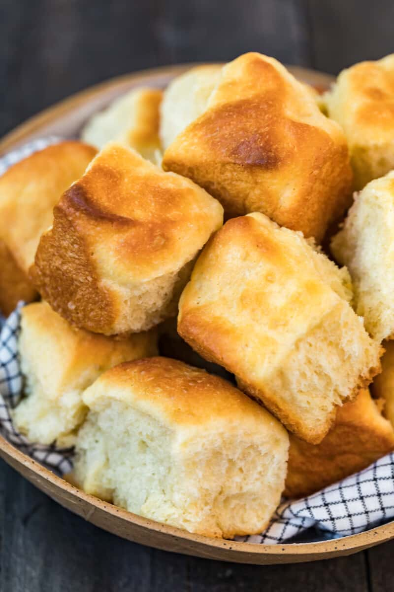 bowl of yeast rolls
