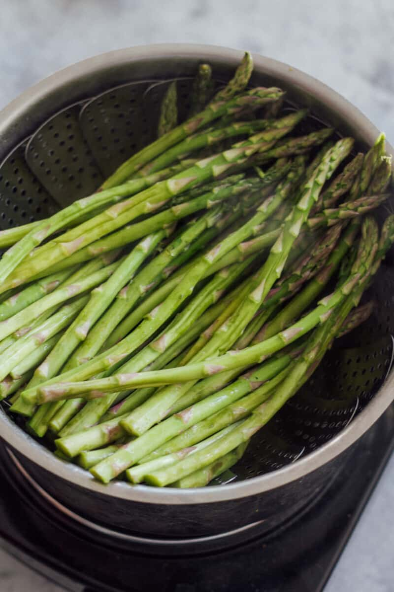 how to steam asparagus stovetop