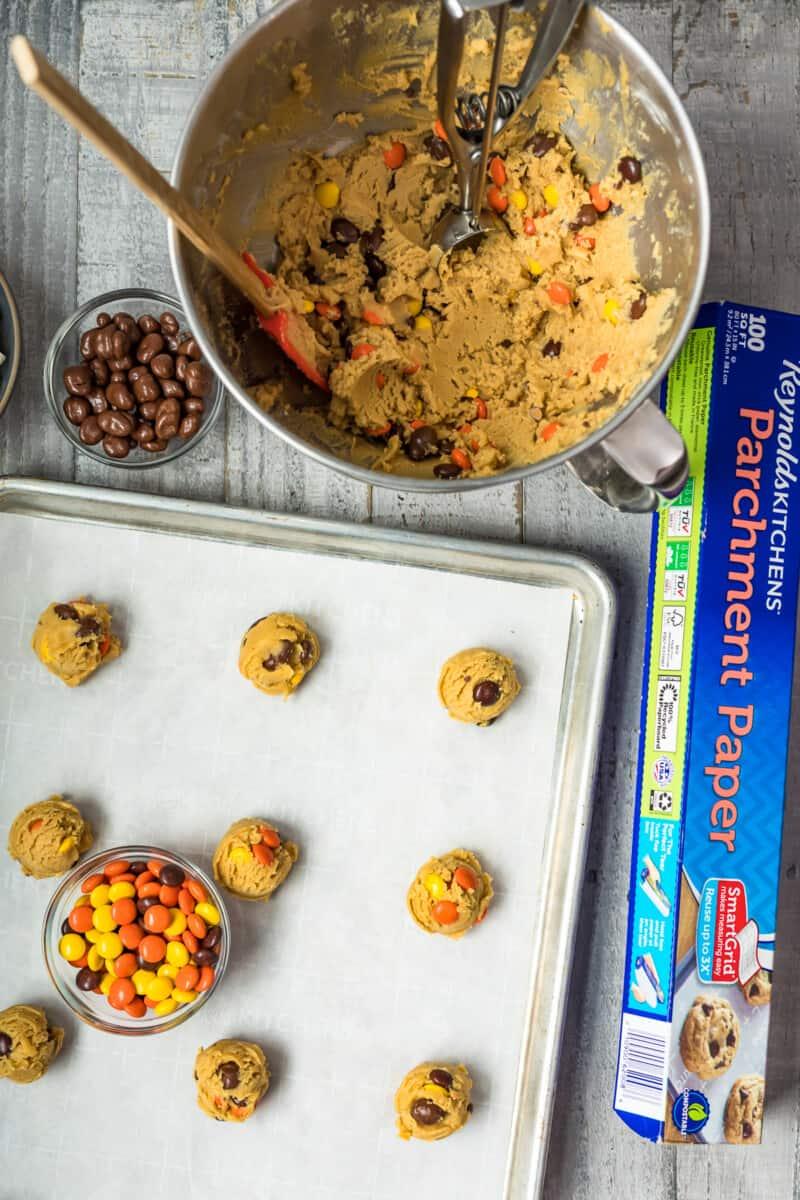 making movie night cookies