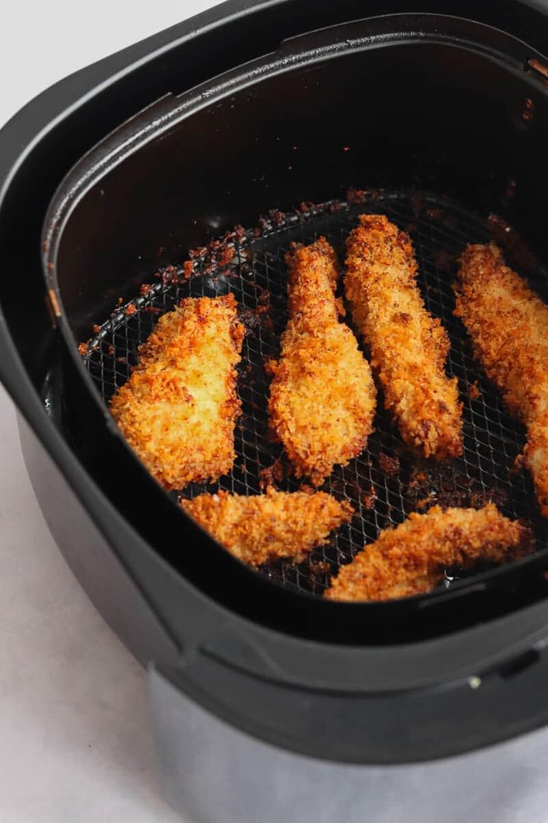 air fryer with chicken tenders