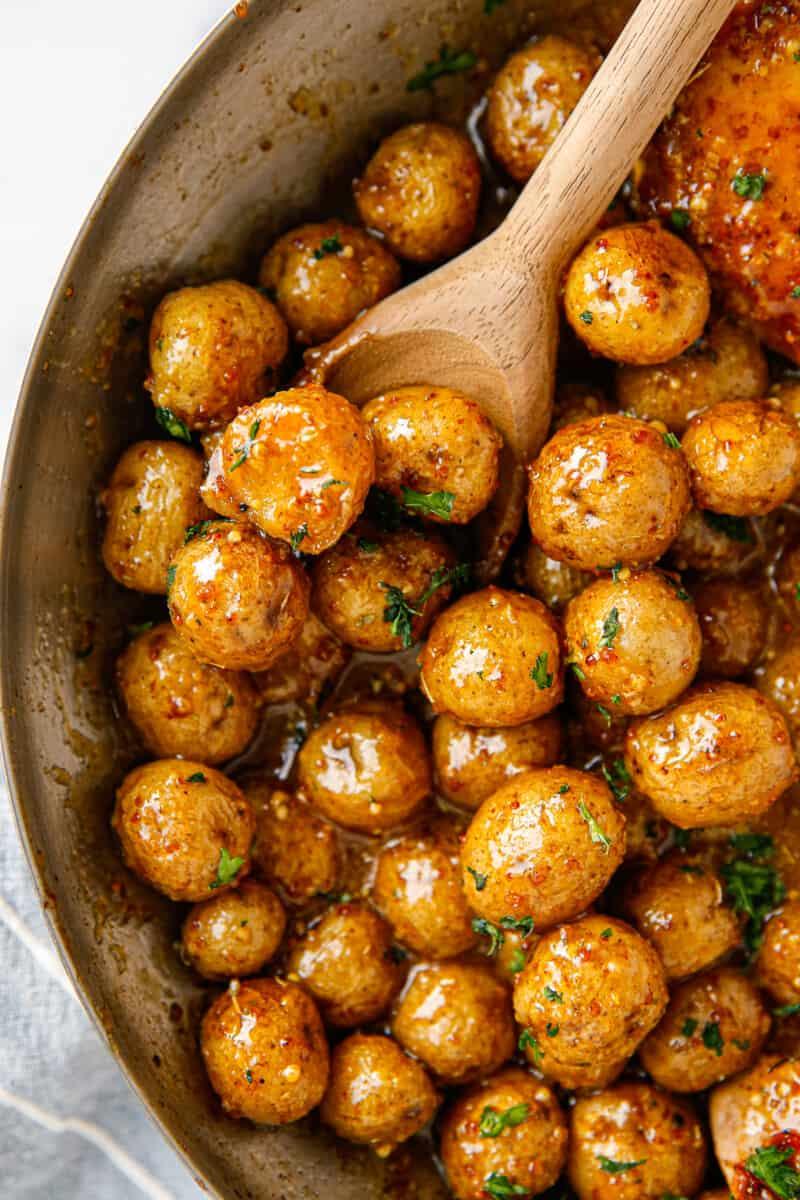honey mustard potatoes in skillet