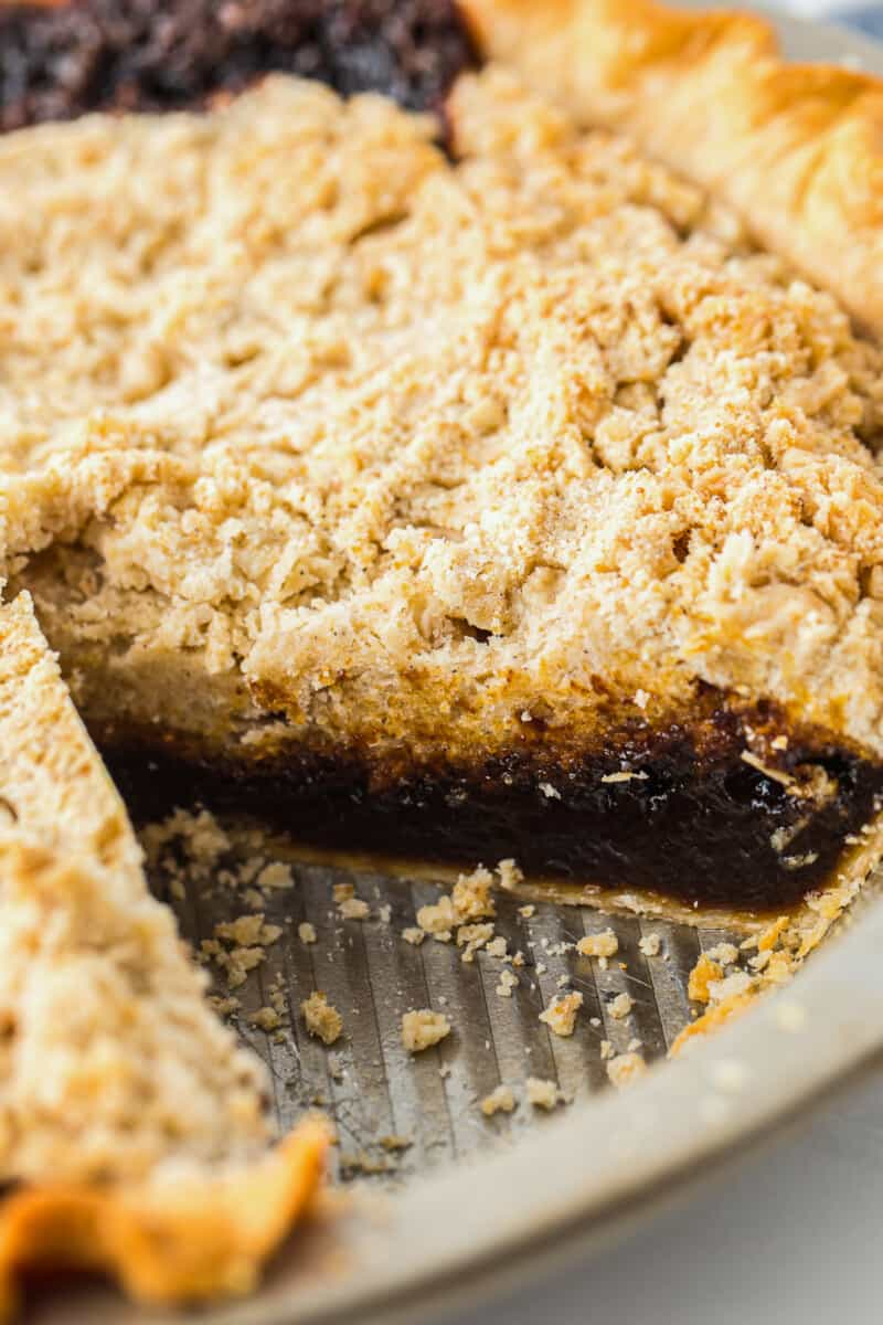 inside shot of shoofly pie layers