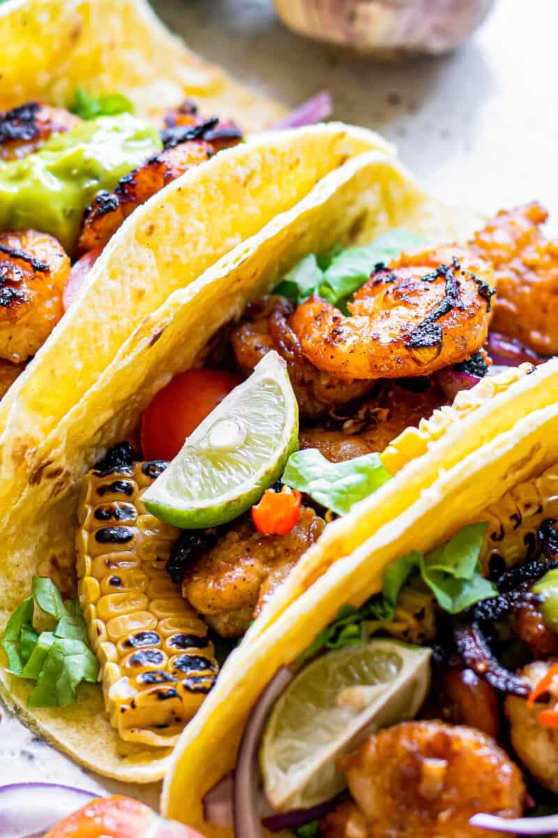 shrimp fajitas in flour tortillas