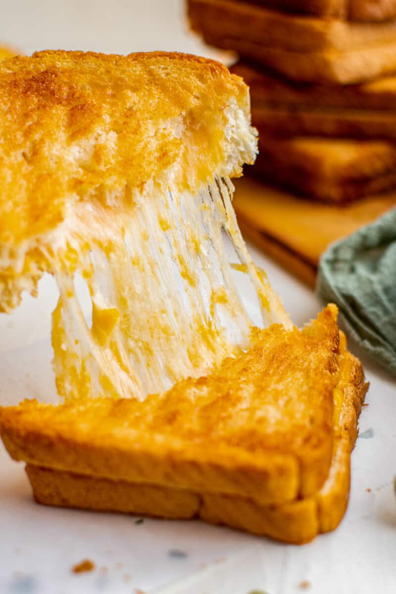 cheese pull on air fried grilled cheese