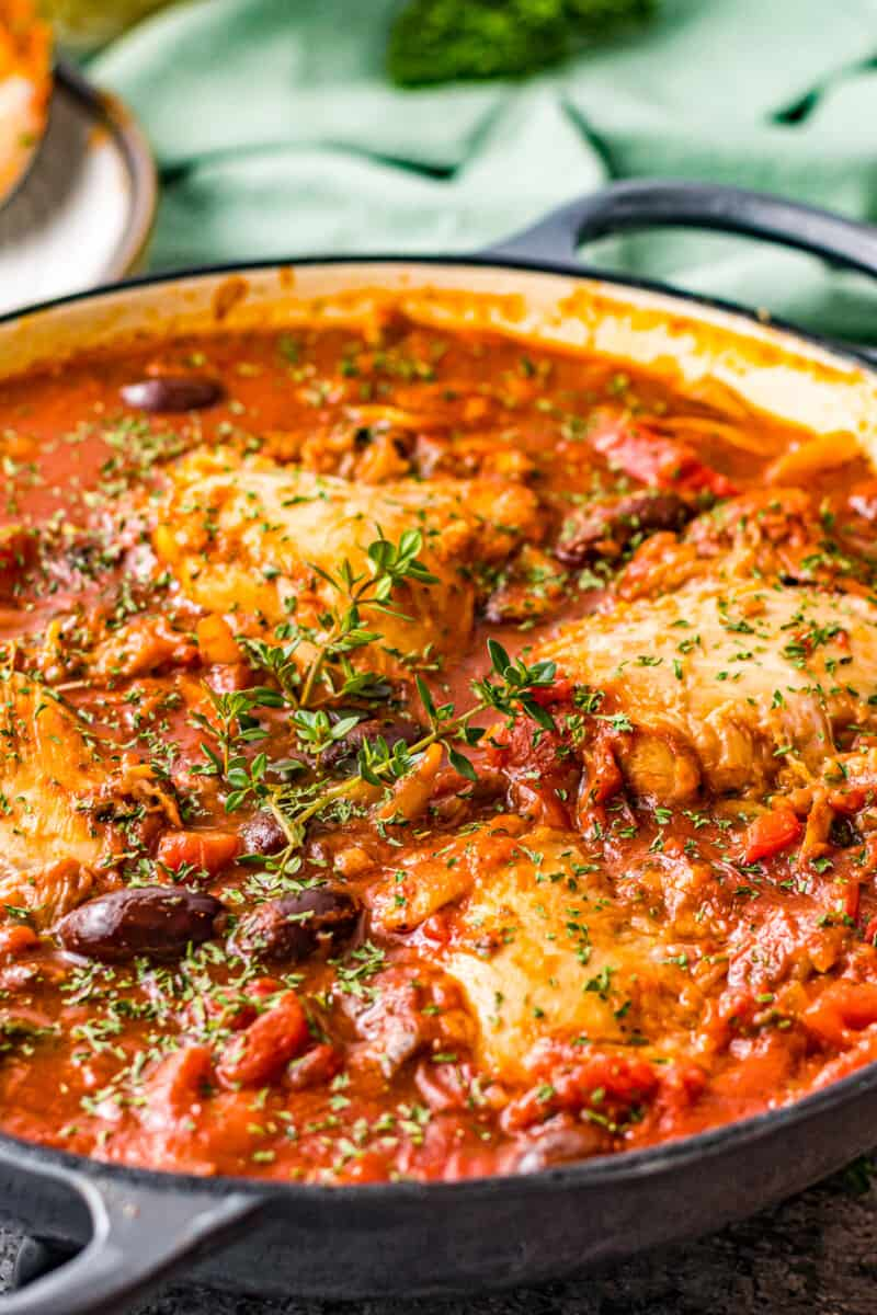 side angle pot with chicken cacciatore