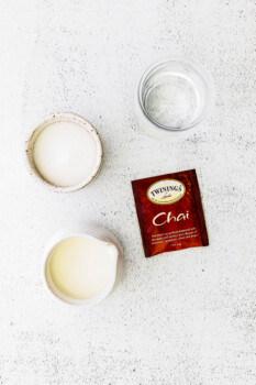 how to make iced chai tea lattes
